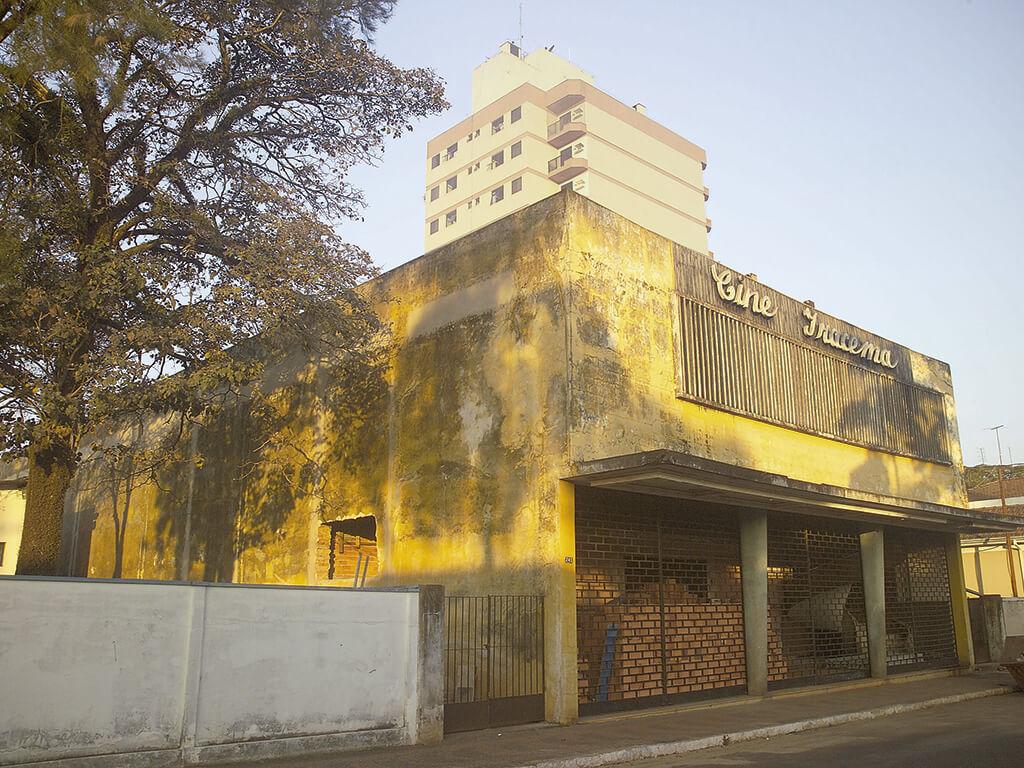 CINE IRACEMA - Fundado em 1.959, o prédio foi um dos primeiros cinemas do interior do Estado de São Paulo. O prédio histórico recebe investimentos para sua transformação em um moderno Espaço de Cultura.