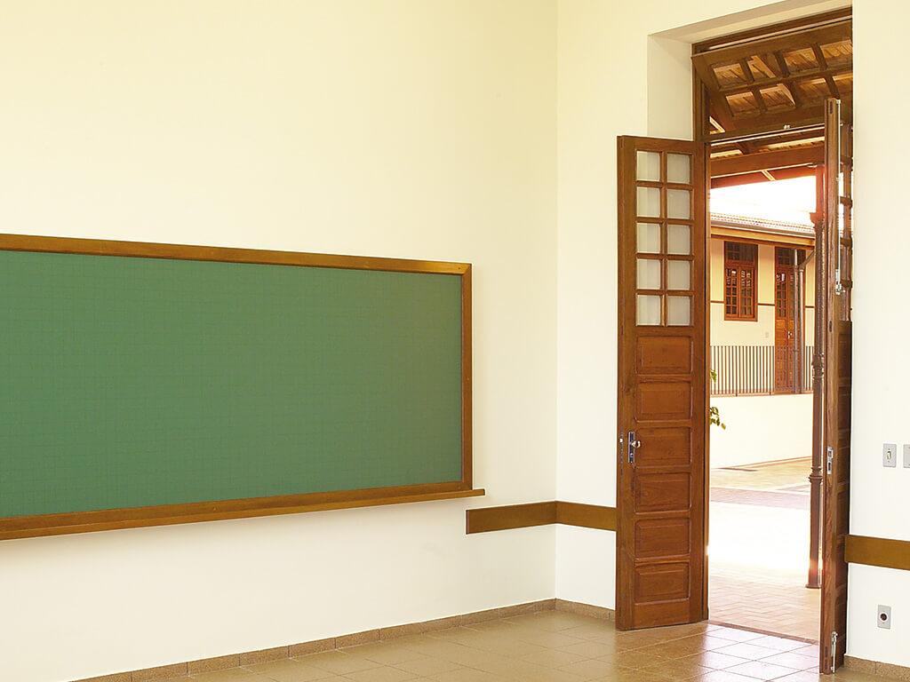 As salas de aulas do infantil passaram por uma reforma completa.